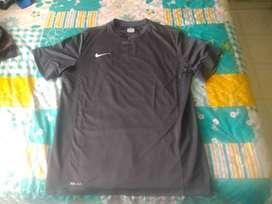 camisetas deportivas usadas