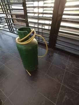 Pipa de gas de 40 lb con gas