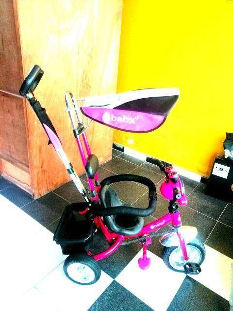 Paseador triciclo para niña