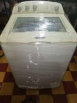Vendo lavadora centrales 30 libras