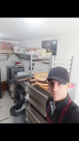 Busco empleo como pizzero, parrillero, auxiliar de cocina, atención al cliente.