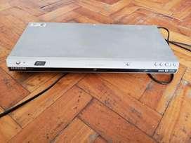 Vendo Reproductor de DVD Samsung DVD-P365 NO FUNCIONA LA DISQUETERA