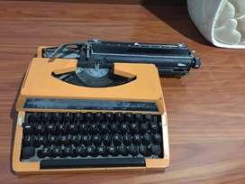 Maquina de escribir antigua Remington, negociable