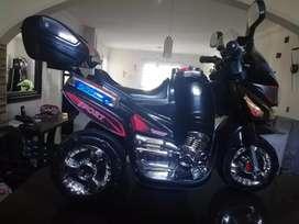Vendo moto recargable para niño
