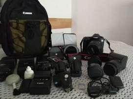 Cámara Profesional De Fotografía  Canon 60 D Y Accesorios