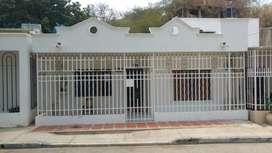 Se vende Casa Amplia con Excelente Ubicación - Santa Marta, Magdalena