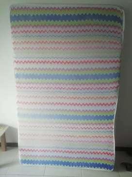 Vendo colchón de espuma, cama doble 14cms de espesor, un mes de uso.