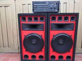 Amplificador de sonido y cabinas de 15 pulgadas 1200watts