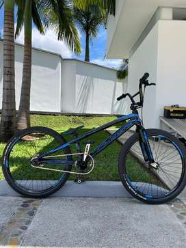 Bicicleta CHASE ELEMENT 21. FIVE CRUCERO