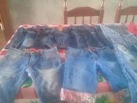 Vendo lote de ropa para niño en muy buen estado para edad 6/7 añitos incluye zandalia marca rider talle 26/27