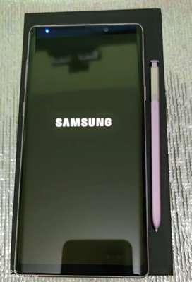 Samsung Note 9 .