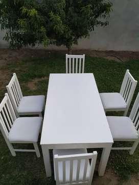 Mesa de 1.5x0.80mts con 6 sillas