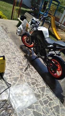 KTM 200 en buen estado