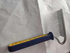 Cepillo Peine Curvo de Metal Perro Gato