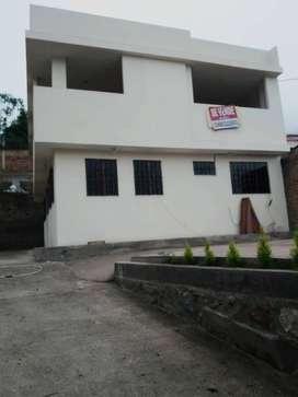 Se vende terreno y casa en Alausí