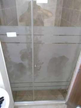 Divisiones Vidrio Templado Para Baño, Barandas En Acero, Divisiones de Oficina, Ventanas Aluminio