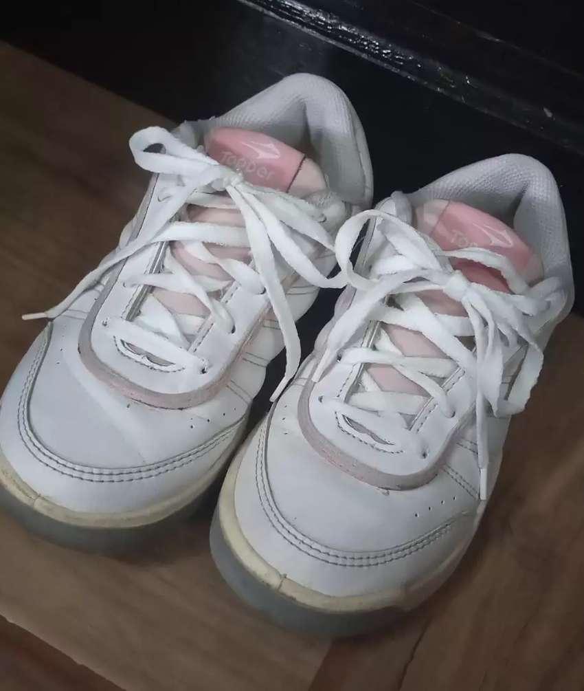 Zapatillas topper para nena 0