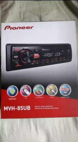 Autoradio PIONEER MVH 85UB + parlantes
