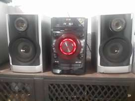 Vende equipo de sonido marca lg