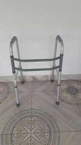 Caminador para adulto mayor o persona con discapacidad