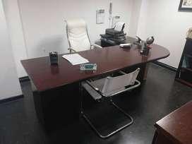 Espectacular escritorio muy amplio