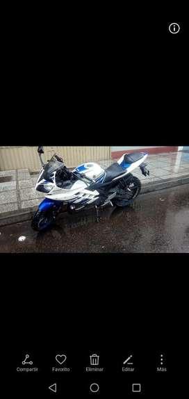 Yamaha R15 V2.0 mod. 2014