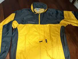 campera rompeviento columbia talle S