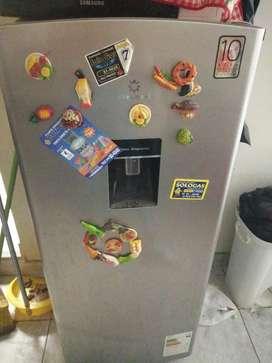 Vendo refrigeradora con detalle
