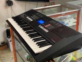 Piano yamaha psr - e423