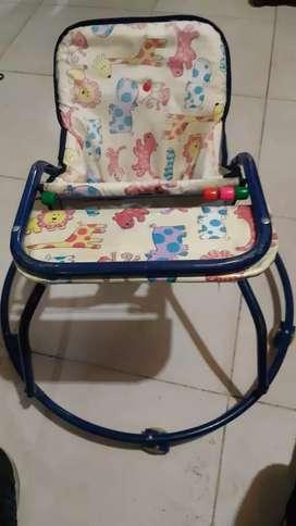 Caminandor metálico para bebé