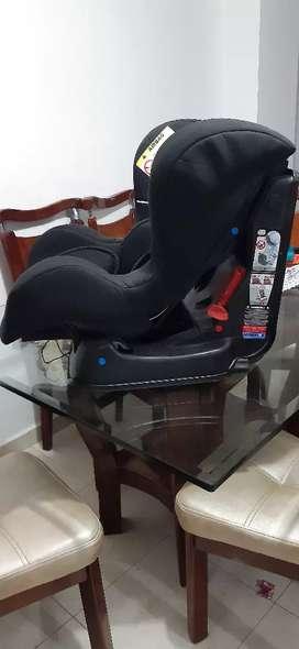 Vendo silla de bebé para carro, precio negociable
