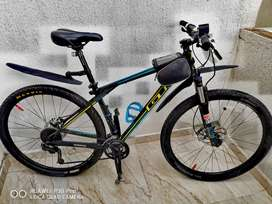 Vendo bicicleta GT KARAKORAM COMP talla M rin 29
