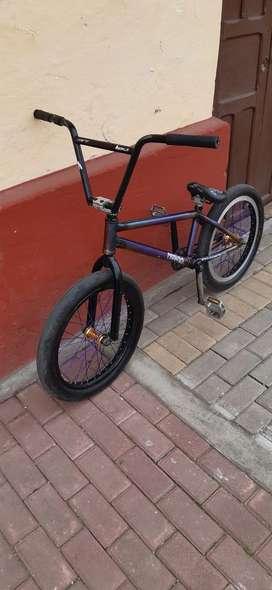 Se Vende Bicicleta Piraña Tornasol