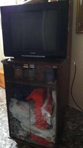 Vendo Tv con Mesa