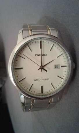 Reloj Casio Impecable
