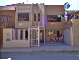 Casa en venta de 4 dormitorios sector a 3 min del Redondel del IESS