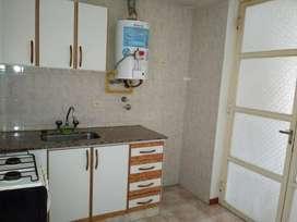 Ituzaingo 449. Dueño, 1 dormitorio con Balcon a la calle.