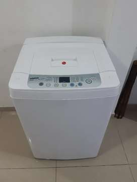 Se vende lavadora LG de 18 libras