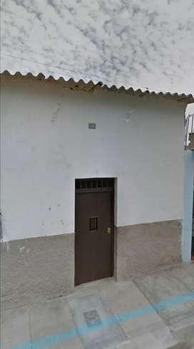 Alquilo Casa en Ferreñafe (Centro)