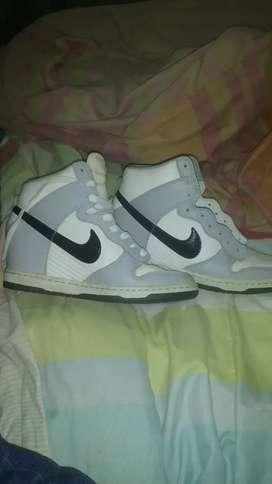 Vendo zapatillas Nike de mujer número 39 como nuevas