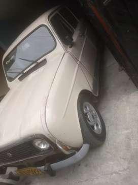 Se vende o cambia rines de Renault 4