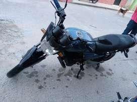 Moto akt Evo 125   en buen estado