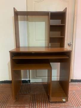 Mesa de estudio para computador