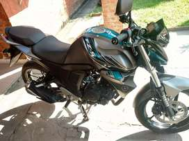 Vendo/permuto Yamaha FZ