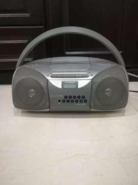 Grabadora Sony AM y FM con puerto para.CD