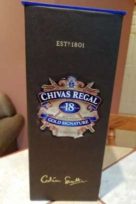 Vendo botella de chivas regal 18