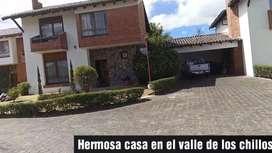 CLUB LOS CHILLOS ESPECTACULAR CASA 4 HABITACIONES , 330 M2 , 550 M2 TERRENO