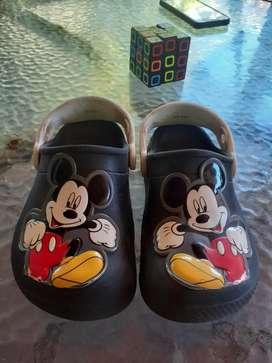 Zueco Crocs Mickey talle 26-27