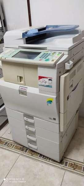Fotocopiadora multifuncional Láser  MPC2550