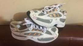 Zapatillas Adidas Talla 33 Dama Usadas